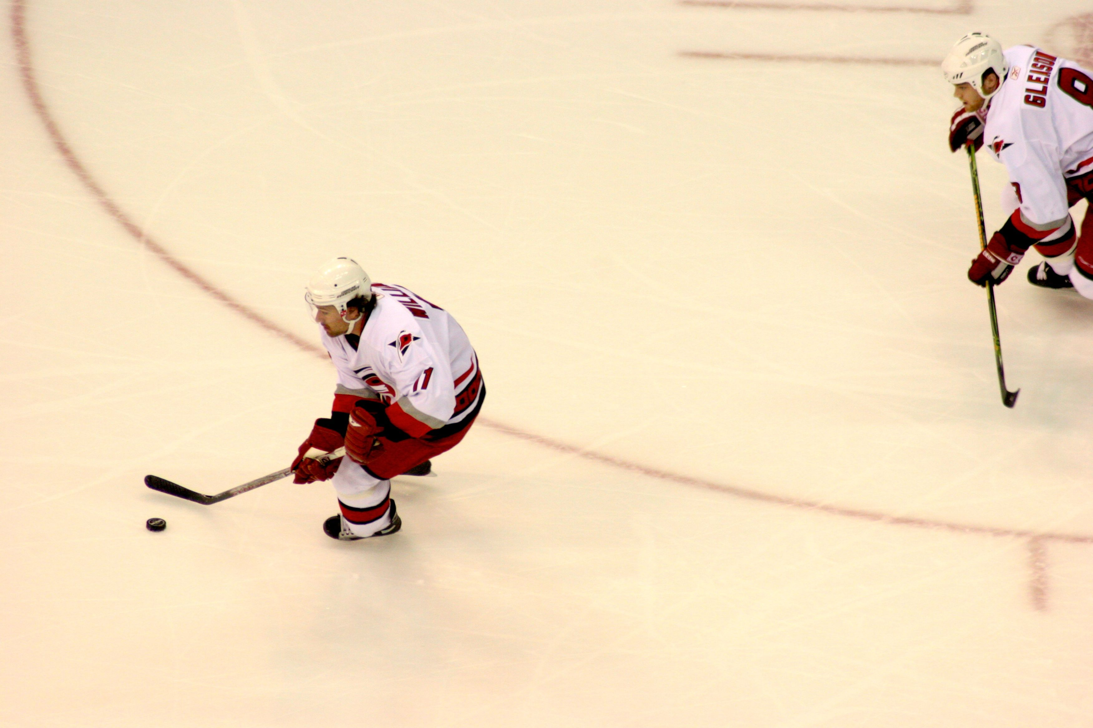 Williams & Gleason take the puck down the ice against the Capitals, March 2007.