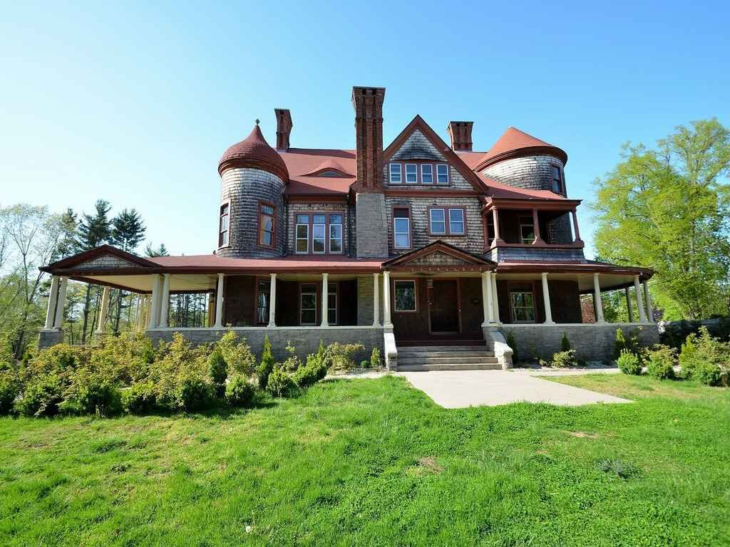 1892 185 Williams St E, Glastonbury, CT Victorian homes