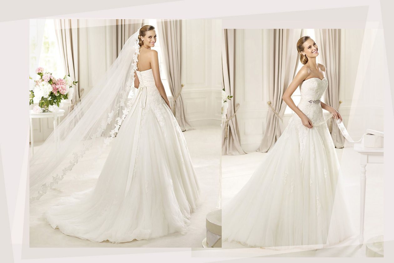 Simple Yet Elegant Wedding Dresses: This Simple Yet Elegant Lace Embellished