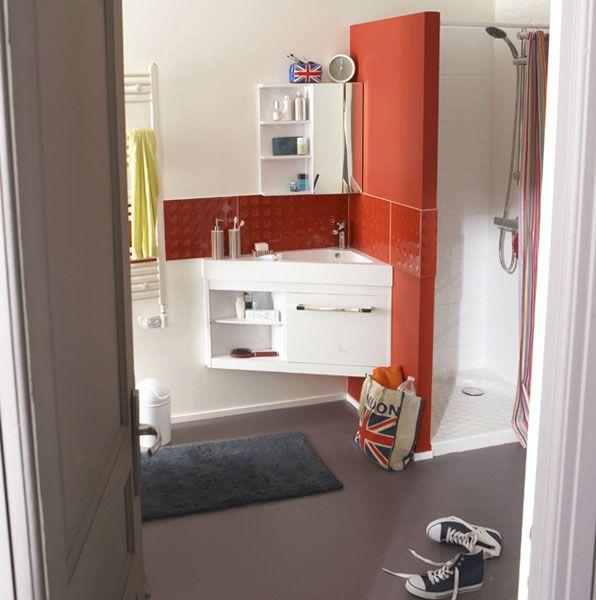 un meuble triangle astucieux pour les petites salles de. Black Bedroom Furniture Sets. Home Design Ideas
