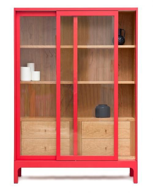 vitrinen aus glas holz und metall handwerklich vitrinenschrank joyce von pinch regale. Black Bedroom Furniture Sets. Home Design Ideas