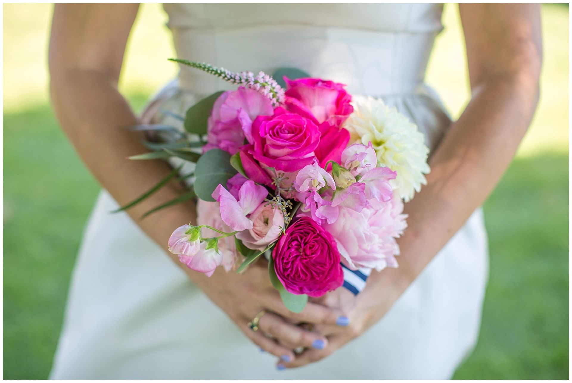 Bridesmaid Wedding Photography at Idle Hour Country Club & First ...