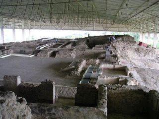 Mexico: Cacaxtla A 20 quilômetros a sudeste de Tlaxcala localiza-se a Zona Arqueológica de Cacaxtla, antiga capital dos olmecas-xicalancas, atingindo seu máximo desenvolvimento entre 650 e 900 dC. Foi abandonada para o ano 1.000 da nossa era. photoshop