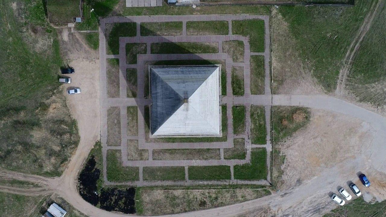 Пирамиды больше нет