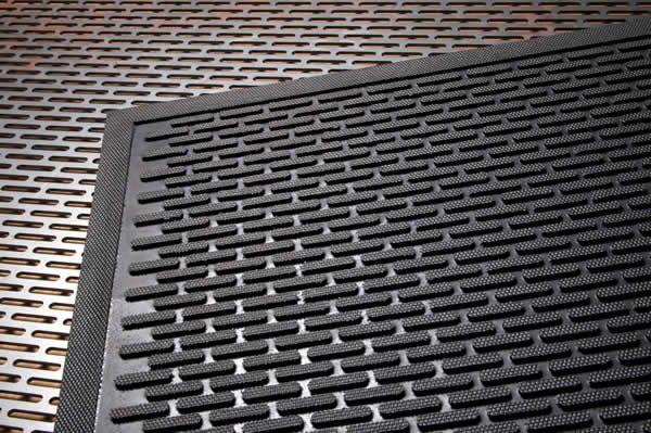 rubber-mats-600x400-1.jpg 600 ×399 pixel