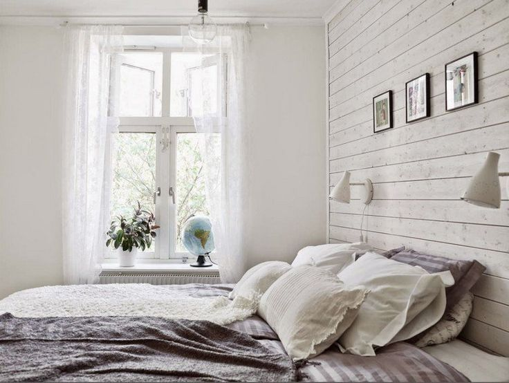 White Wood Paneling Invite The Chic Country Style At Home Country Invite Paneling Style White Scandinavian Style Bedroom Home Bedroom White Wood Paneling