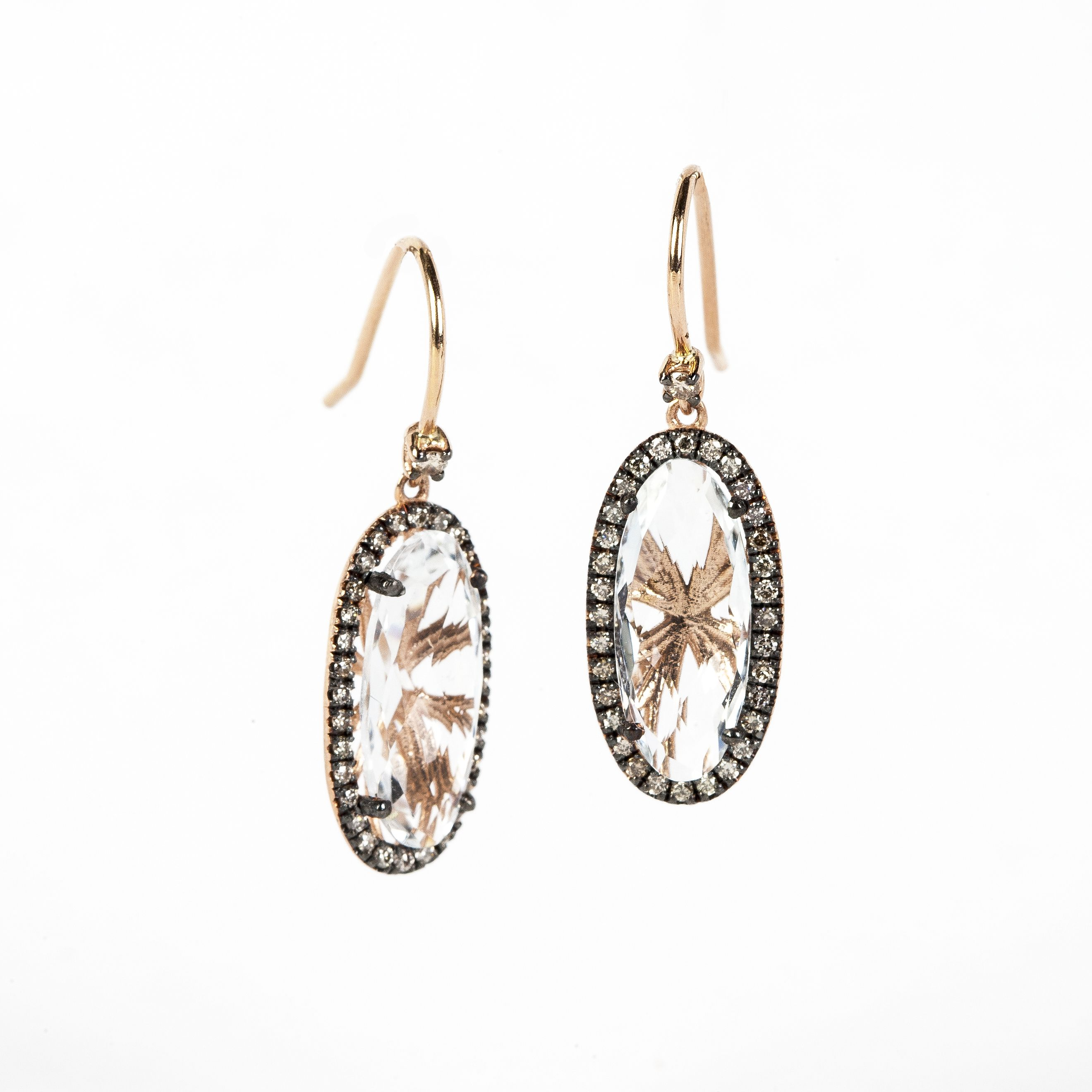 products diamond earrings and gold champagne