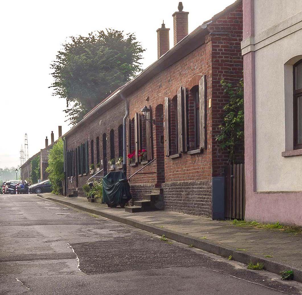 Die Glashuttensiedlung In Dusseldorf Gerresheim Siedlung Dusseldorf Denkmalschutz