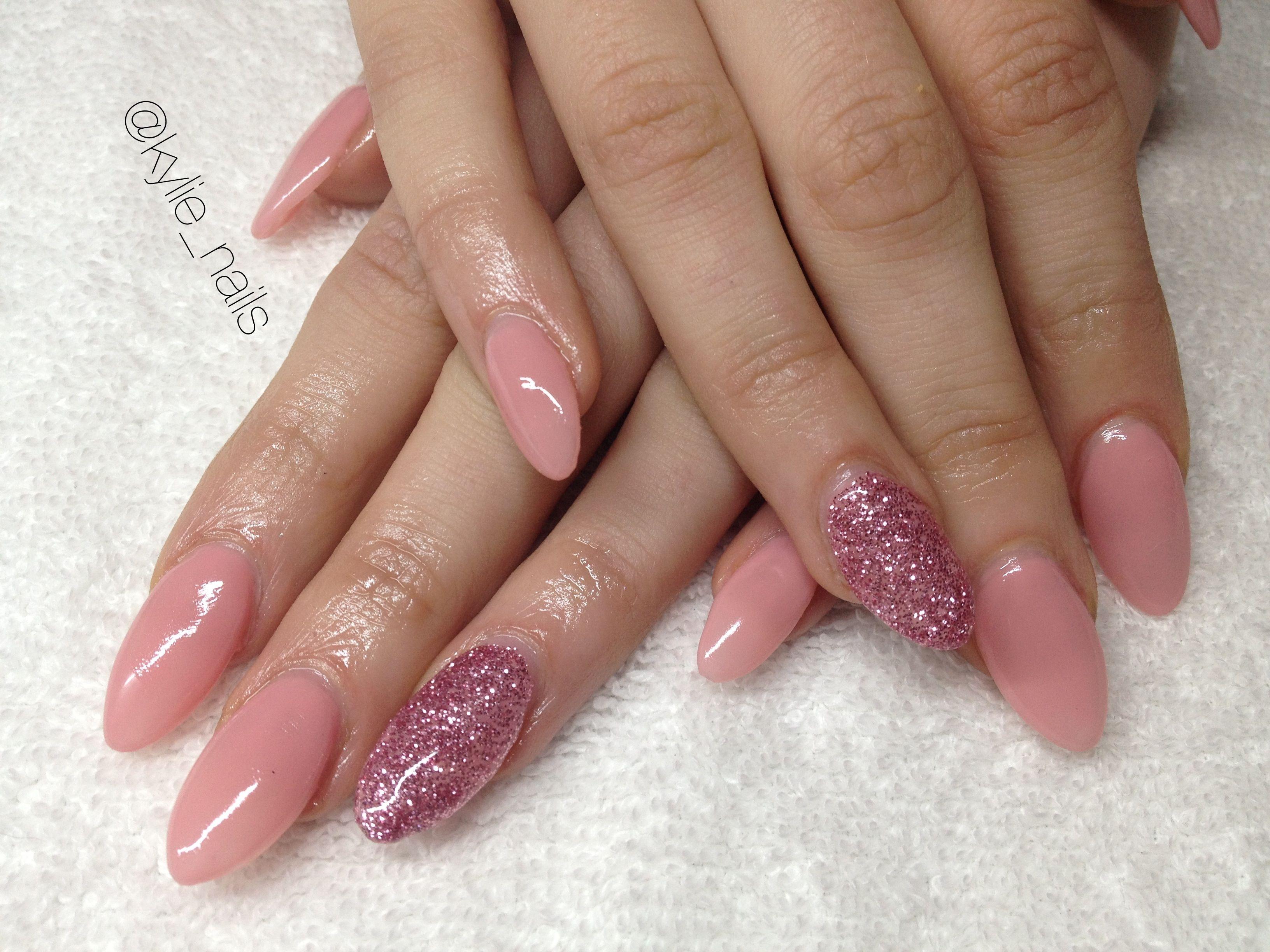Almond shape gel nails , rose pink, rose glitter, en vogue gel nails ...