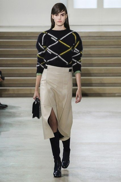 http://www.vogue.co.uk/fashion/autumn-winter-2015/ready-to-wear/jil-sander/full-length-photos/gallery/1359625