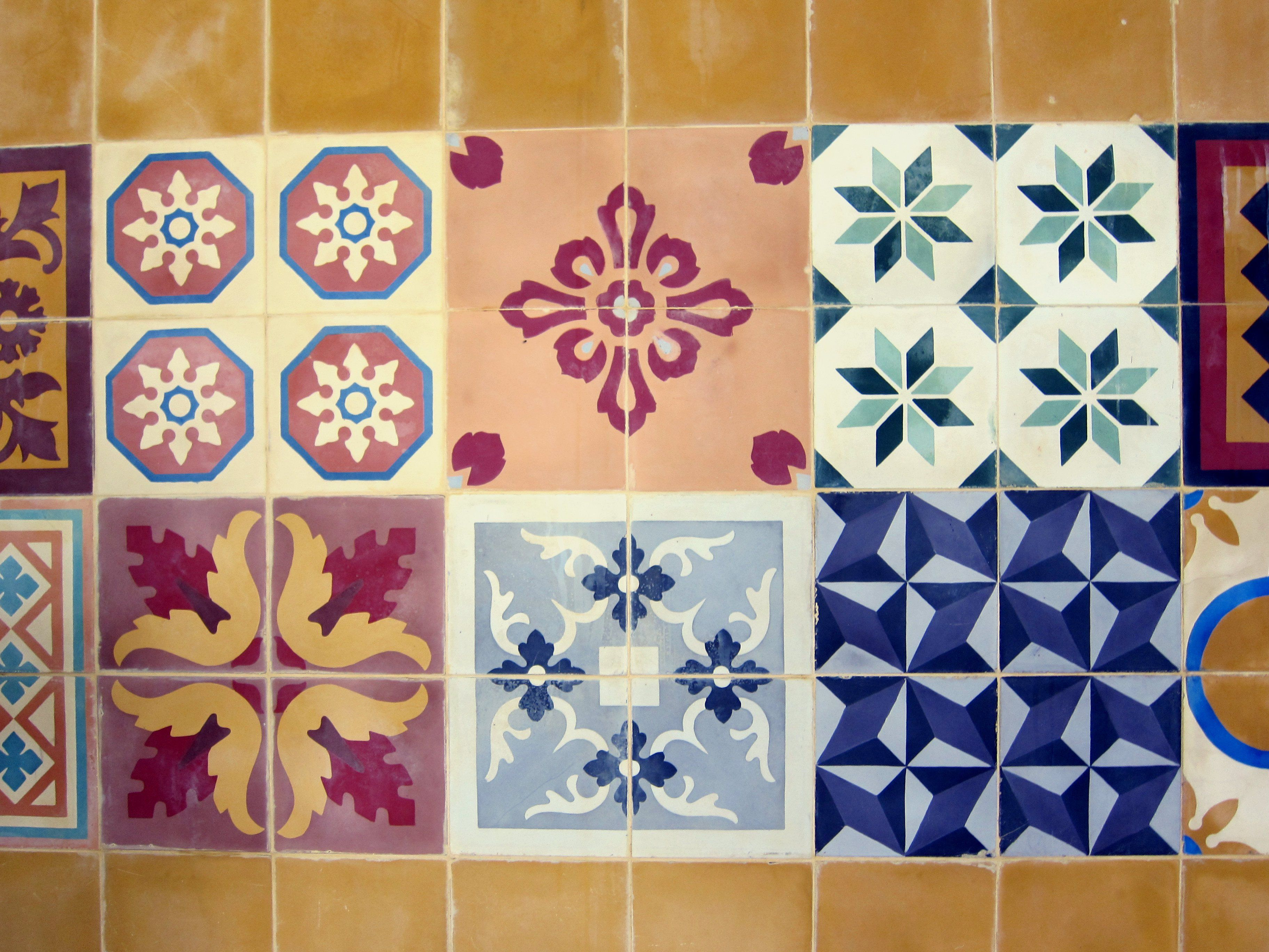 WARNA WARNI TEGEL KUNCI Cool Handmade Tiles from Yogyakarta Indonesia I mean it handmade