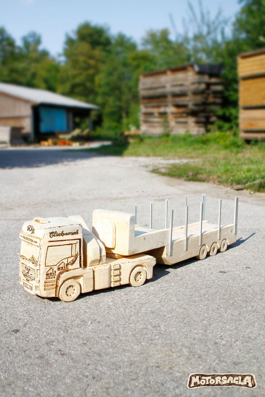 Ein Wunderschöner Lkw Verlässt Meine Werkstätte Im Almtal Truck Holzschnitzen Motorsägenschnitzen Motorsäg Kettensägenschnitzen Holz Schnitzen Schnitzen