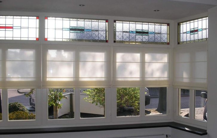 Leuk idee voor raamdecoratie met glas in lood ramen  Glas