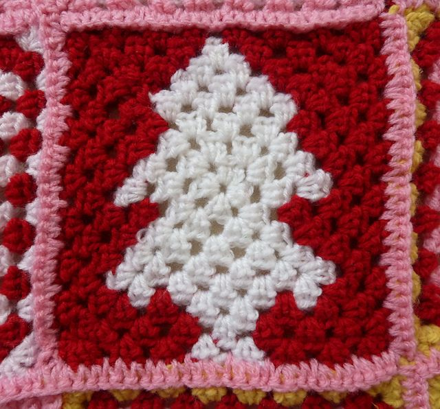 Ravelry: Pine Fresh Christmas Tree Granny Square pattern by Ursula Glitch