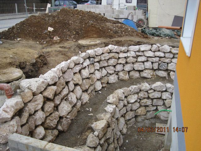 natursteinmauer garden pinterest natursteinmauer g rten und freisitz. Black Bedroom Furniture Sets. Home Design Ideas
