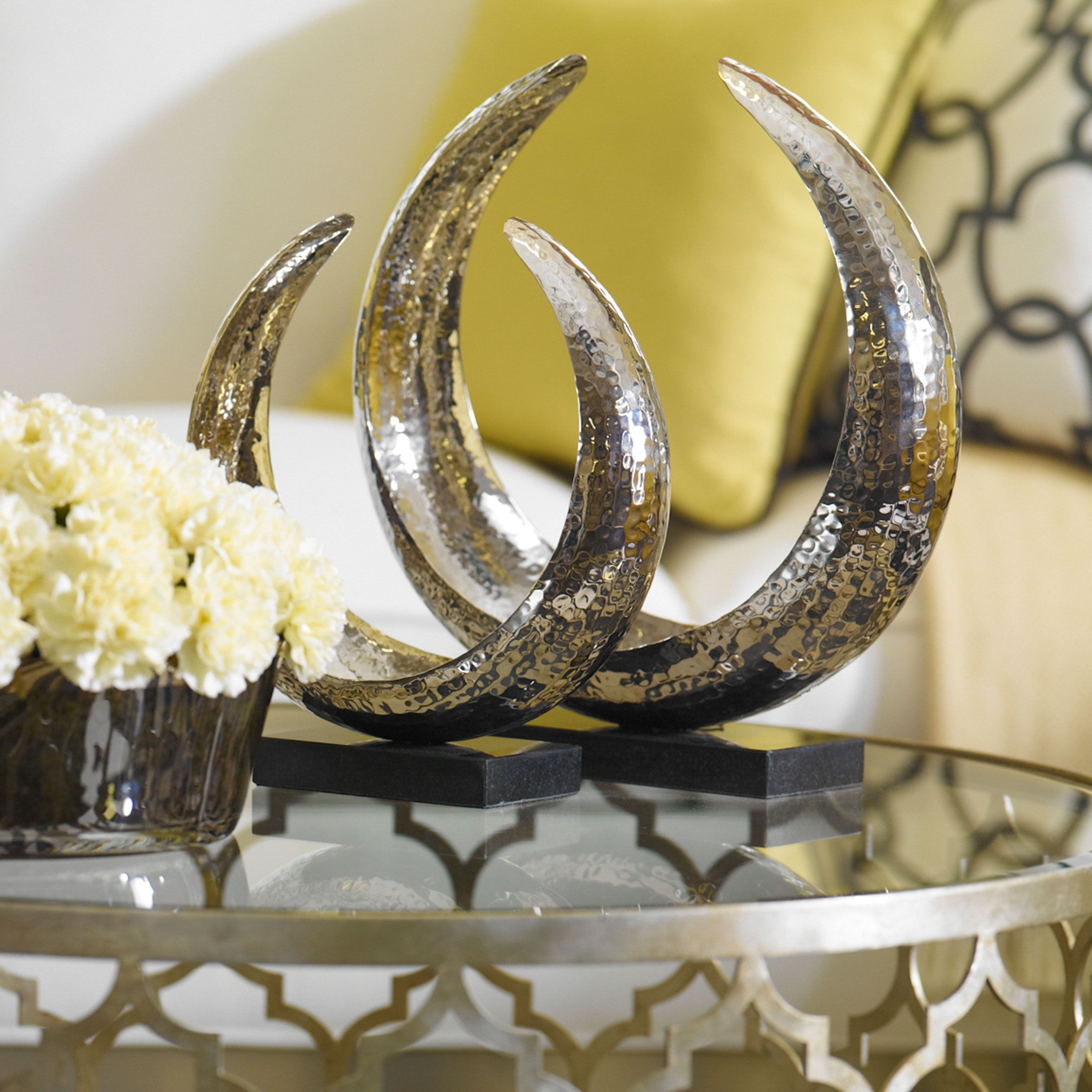 Decorative Objects For The Home: Silver Home Decor. Large Horseshoe Sculpture
