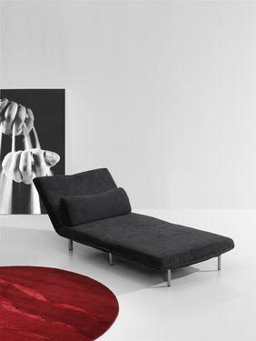 Estos sillones en varios colores se convierte en cama, tumbona y sillón. ¿No te recuerdan a un futón pero más cómodo?