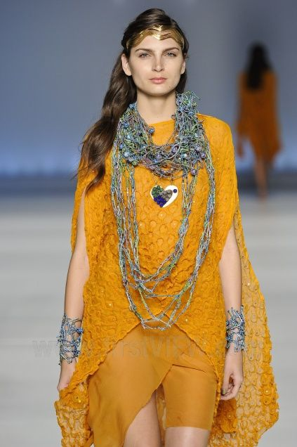Mary Design - Ready-to-Wear - Runway Collection - Women     Spring / Summer 2013    MINAS TREND