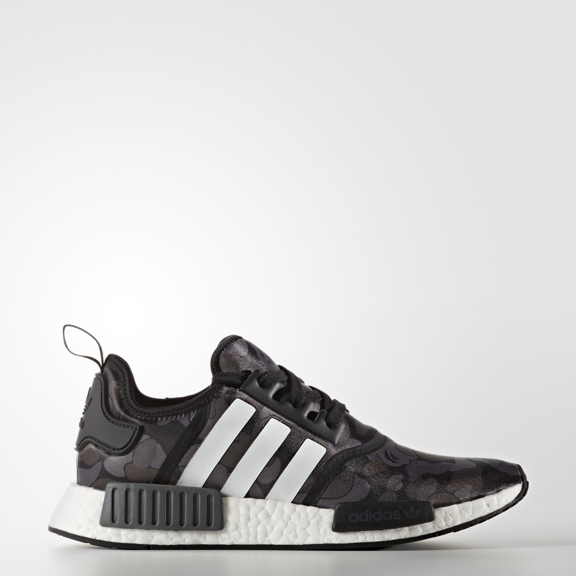 online retailer 2e7e2 3f0bd Tênis Nmd R1 Bape | ;Style is a way to say who you are ...