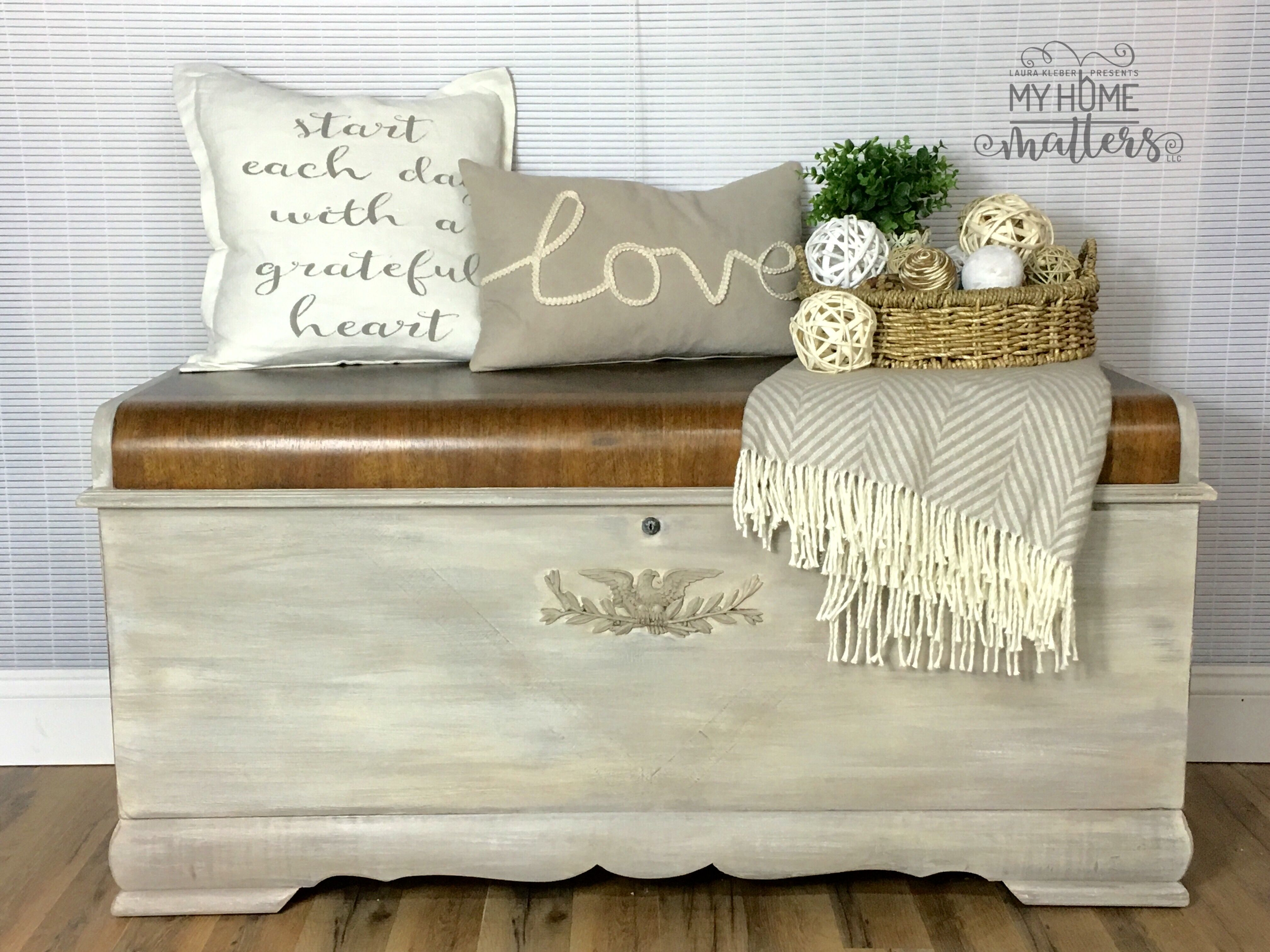 Vintage Hope Chest With Waterfall Top Gets White Wash Update And  # Muebles Acabado Wash