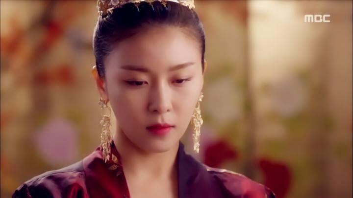Ha Ji Won - a Korean movie star (Photos - Pictures