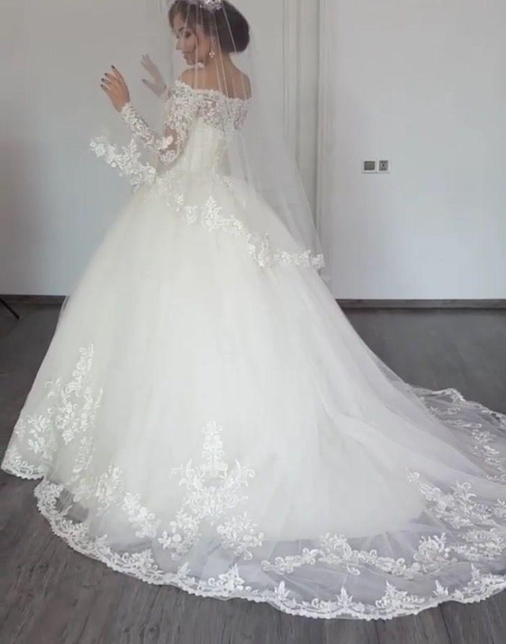 Ho Van Hue Hochzeitskleid. Hochzeitskleid ist schön und funkelnd #aocuoidep #va… – 2019 – Lace Diy