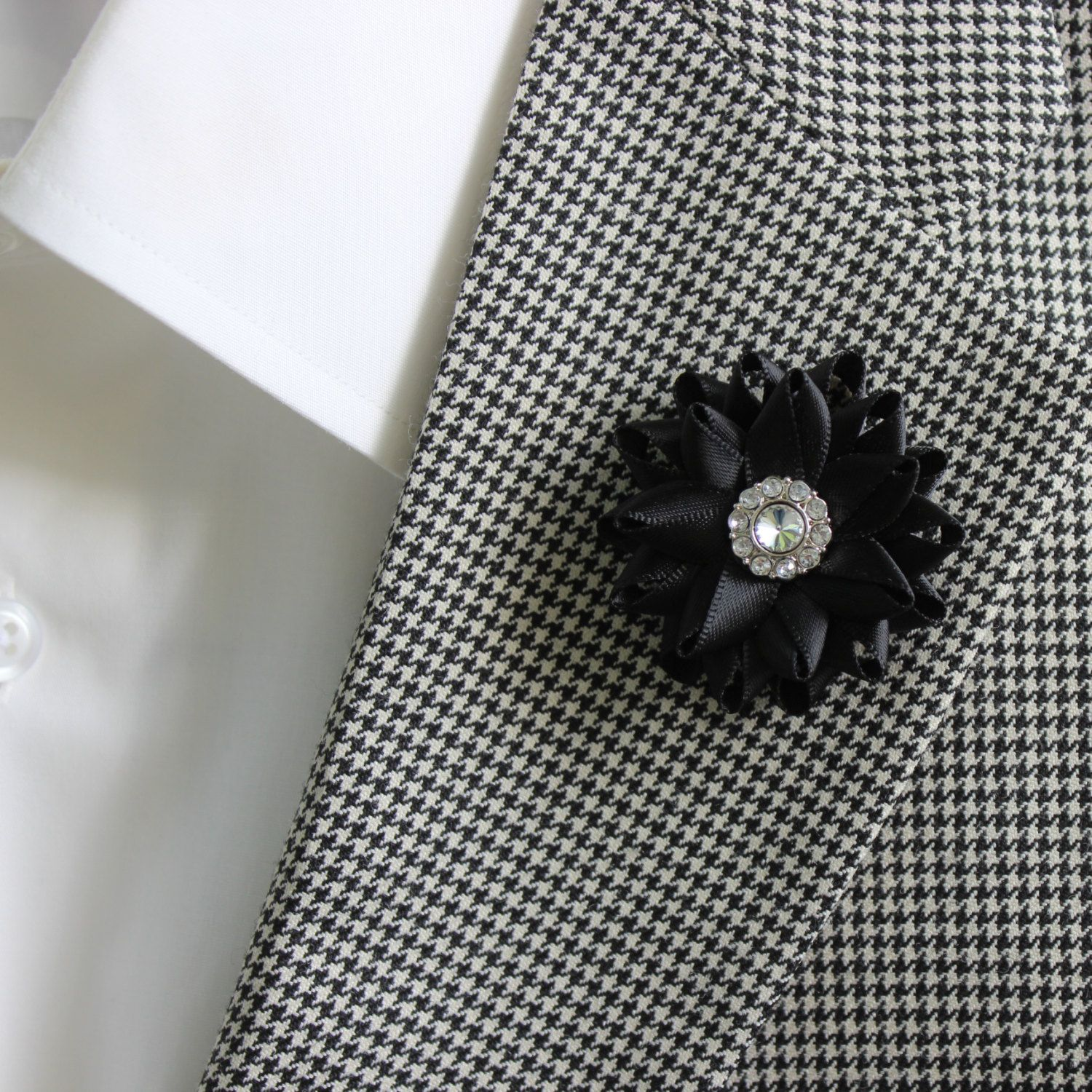 Mens lapel flower mens boutonniere black boutonniere white flower mens lapel flower mens boutonniere black boutonniere white flower boutonniere mens lapel pin red lapel flower mens flower lapel pin mightylinksfo