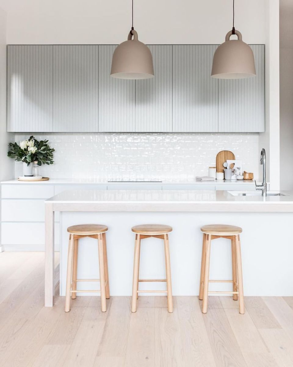 Affordable Bar Stools With Minimalist Design For Kitchen