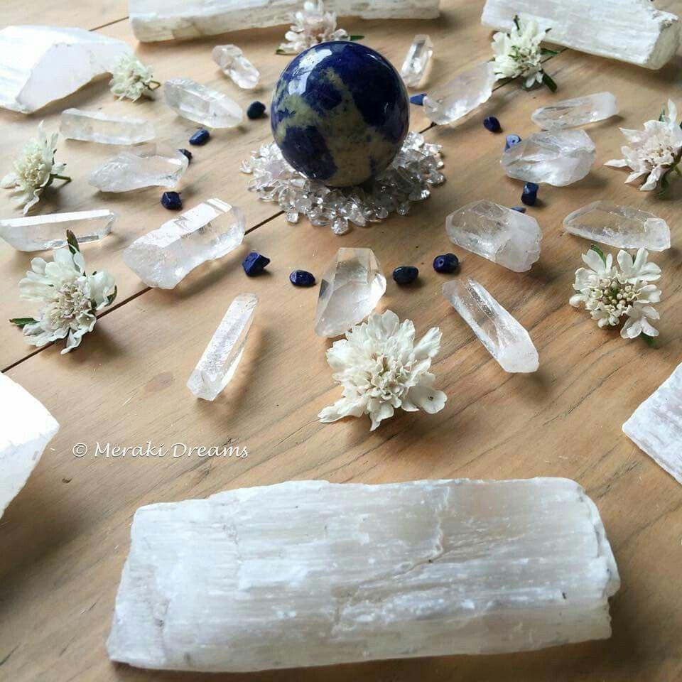 Full moon grid | Energy crystals, Positive energy crystals ...