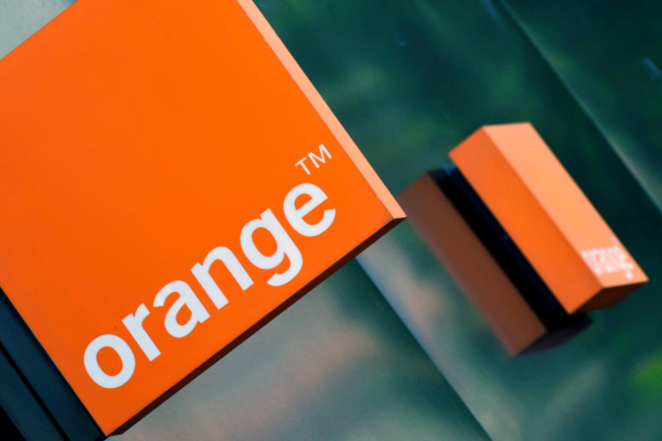 Orange holding off Nigeria investment in wait for mobile