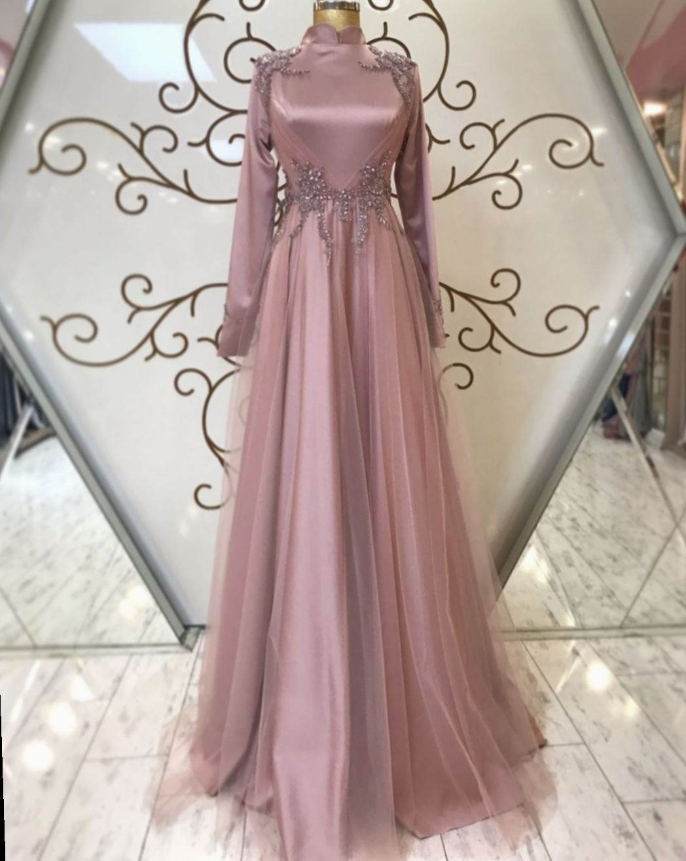 Pin oleh Nella di baju gaun desain  Pakaian pesta, Gaun perempuan