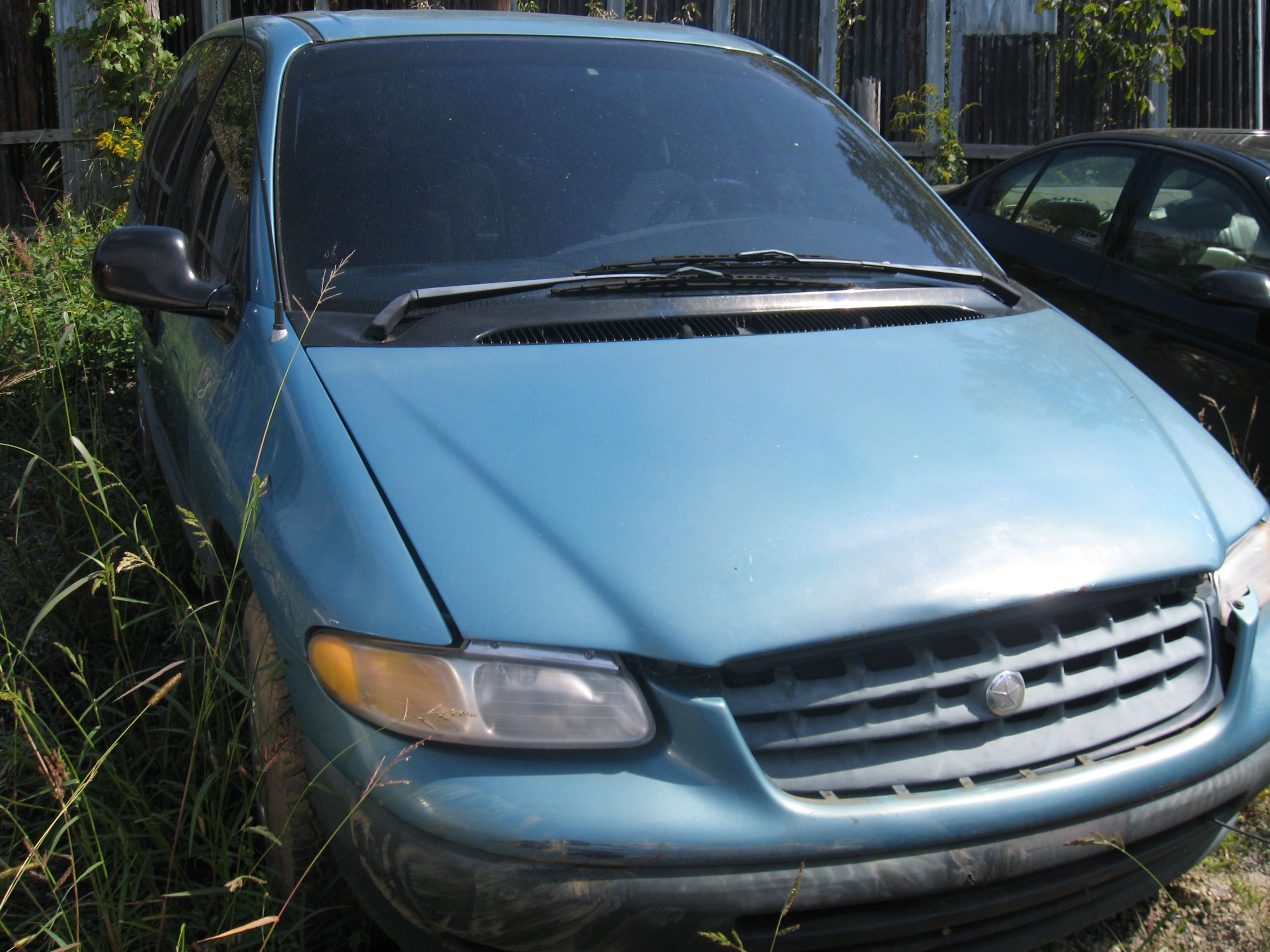 1996 Plymouth Voyager Looks Familiar Plymouth Voyager