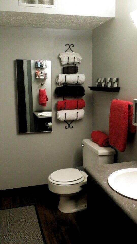 Pin By Almavaleriarodriguezlopez On Room Decor In 2020 Black Bathroom Decor Red Bathroom Decor White Bathroom Decor