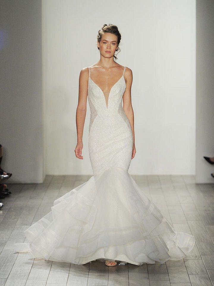 Mermaid wedding dress | itakeyou.co.uk #weddingdresses #mermaid #weddingdress #lazaro #wedinggown