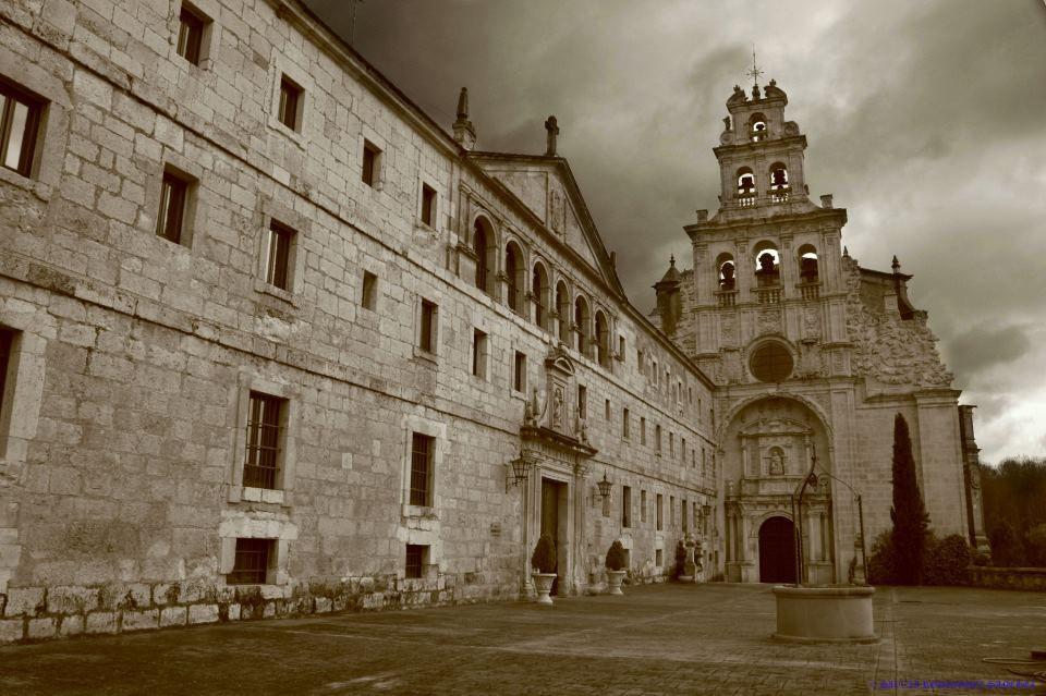 Monasterio de Santa María de la Vid - Burgos  por SilviaRSPhotos  http://www.flickr.com/photos/lady_laris