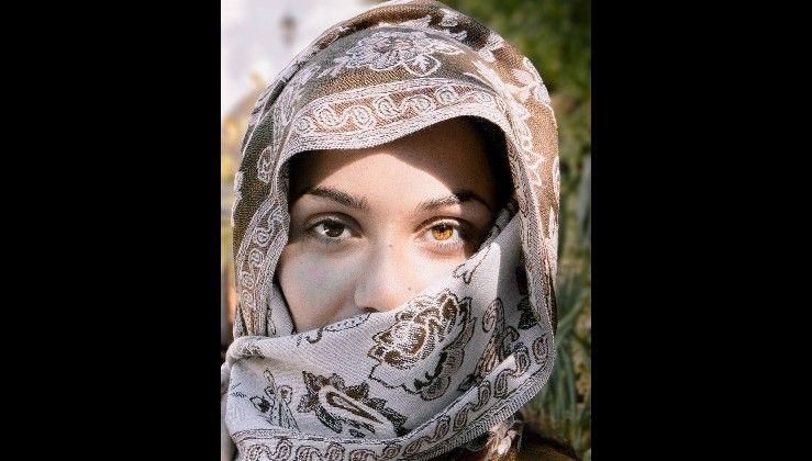 Pin By Khadija Farida On ارقام بنات واتساب متصل الان 2020 Fashion Hijab