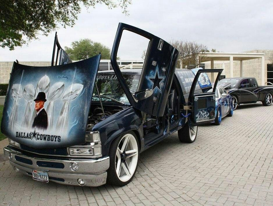 dallas cowboys car wow amazing graphics on the hood with tom landry