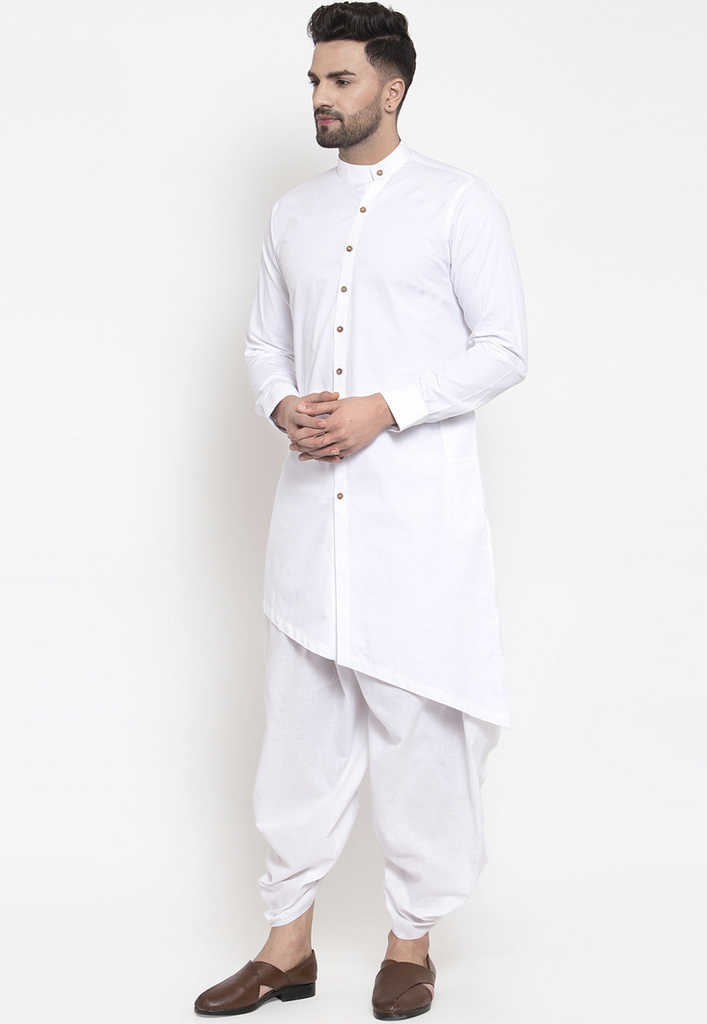 Dhoti and kurta is a famous traditional dress of india