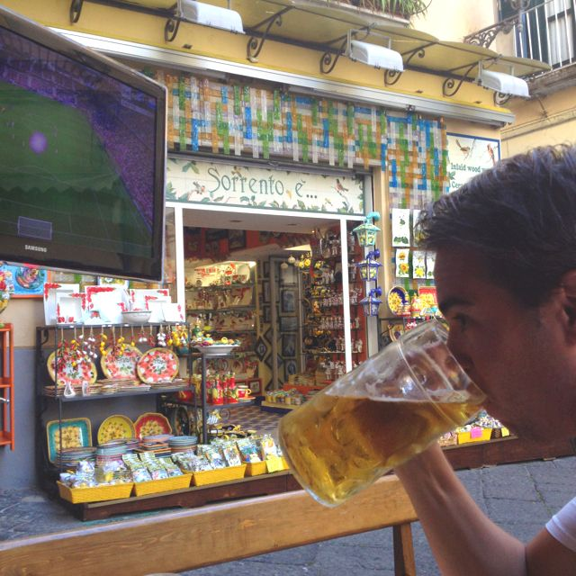 Honeymoon 1:stop: Sorrento, 1 litre beer and the Euro on...