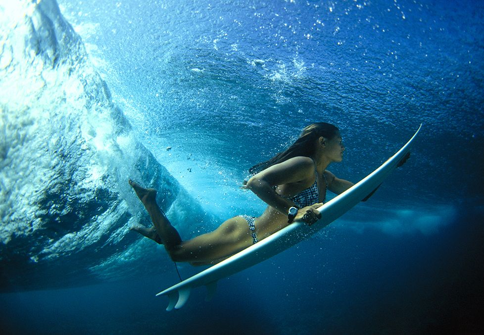 0eedc3fd186fb surfing girl duck diving - Google Search   Beach Vibes   Surfing ...