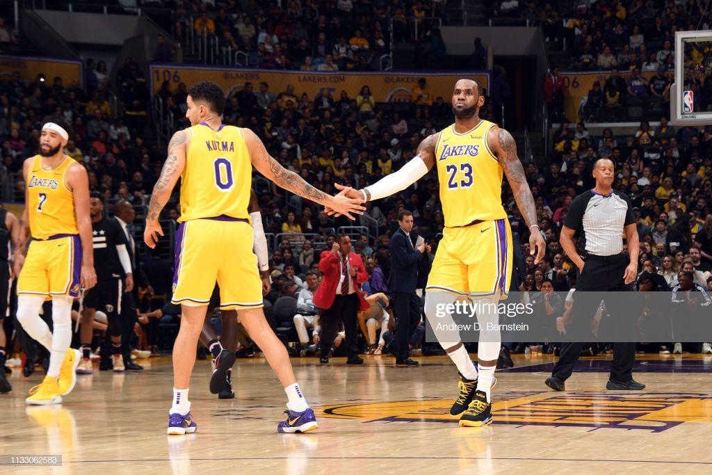 Pin By Aditri Prasad On Kyle Kuzma Funny Basketball Memes Los Angeles Lakers Los Angeles