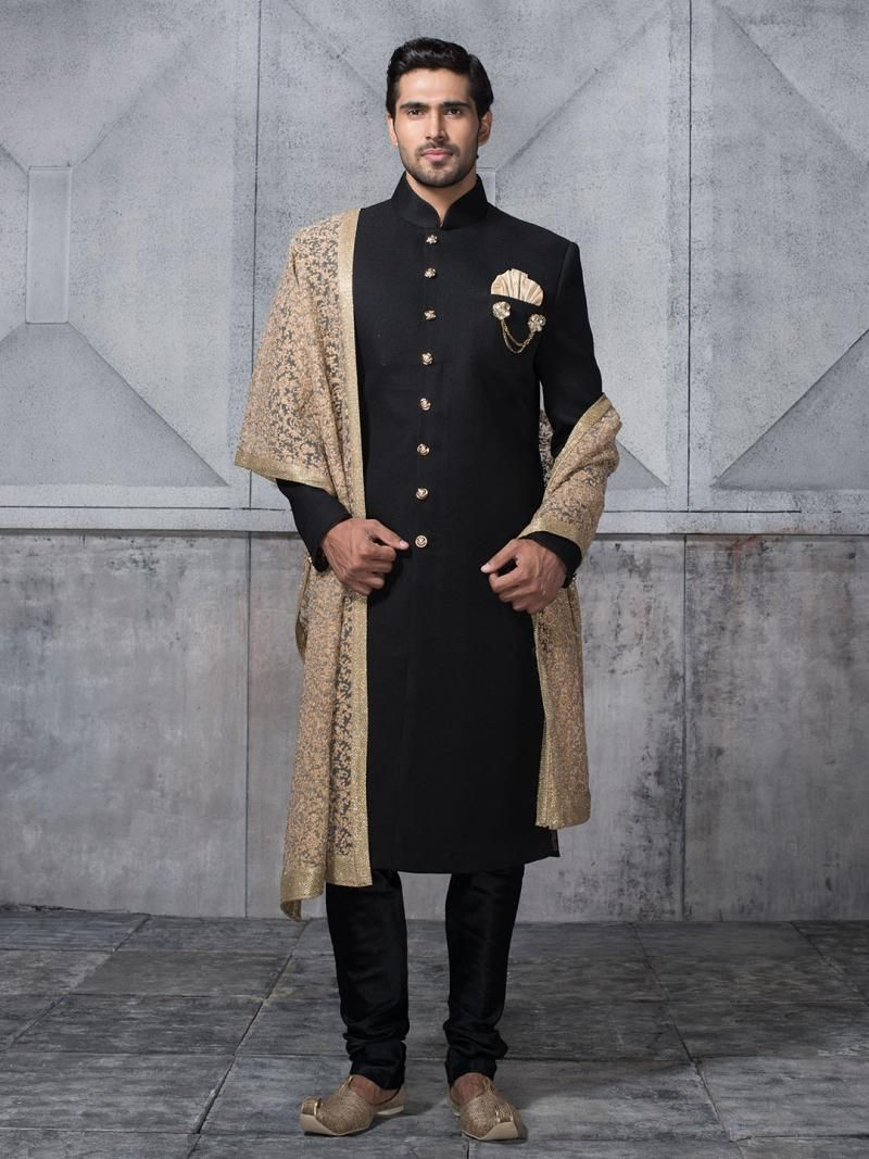 Indian Wedding Outfits for The Bride\u0027s/Groom\u0027s Brother