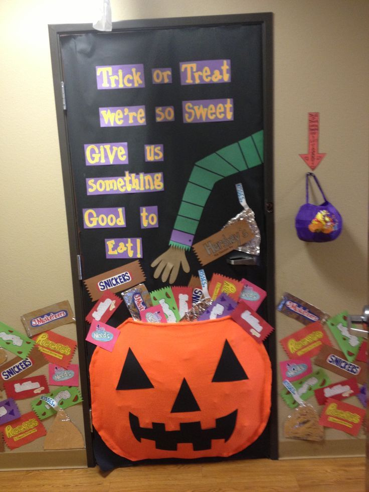 preschool halloween door decorations idea for classroom