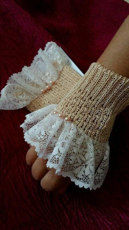 Mezzi guanti /polsini in cotone con pizzo e perle