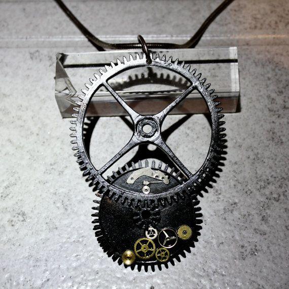 Zeitmaschine Anhänger Steampunkuhrzahnräder von GoldschmiedeKarbe