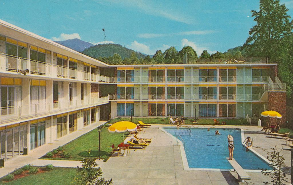 Holiday Inn Gatlinburg Tennessee Holiday Inn Gatlinburg Hotels Gatlinburg