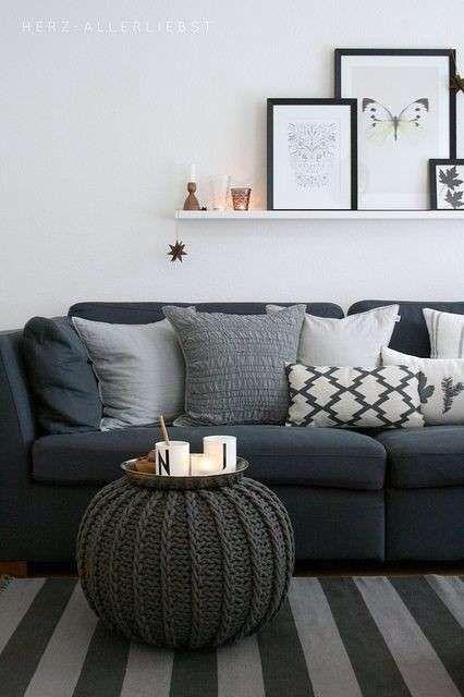 Arredare un soggiorno quadrato | Salotto grigio, Divani da ...