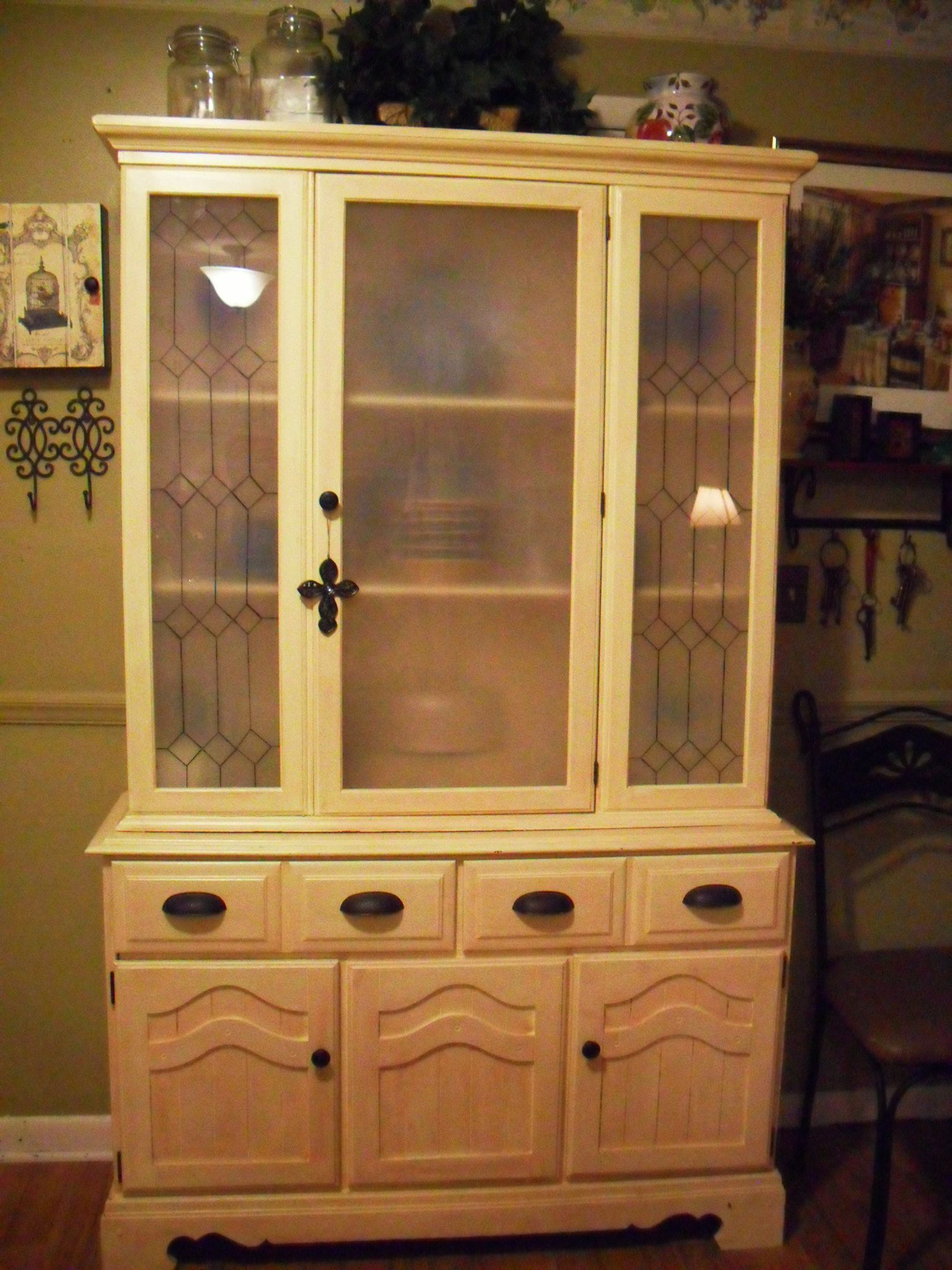 Old 70s China Cabinet With Ugly Oak Finish Primed