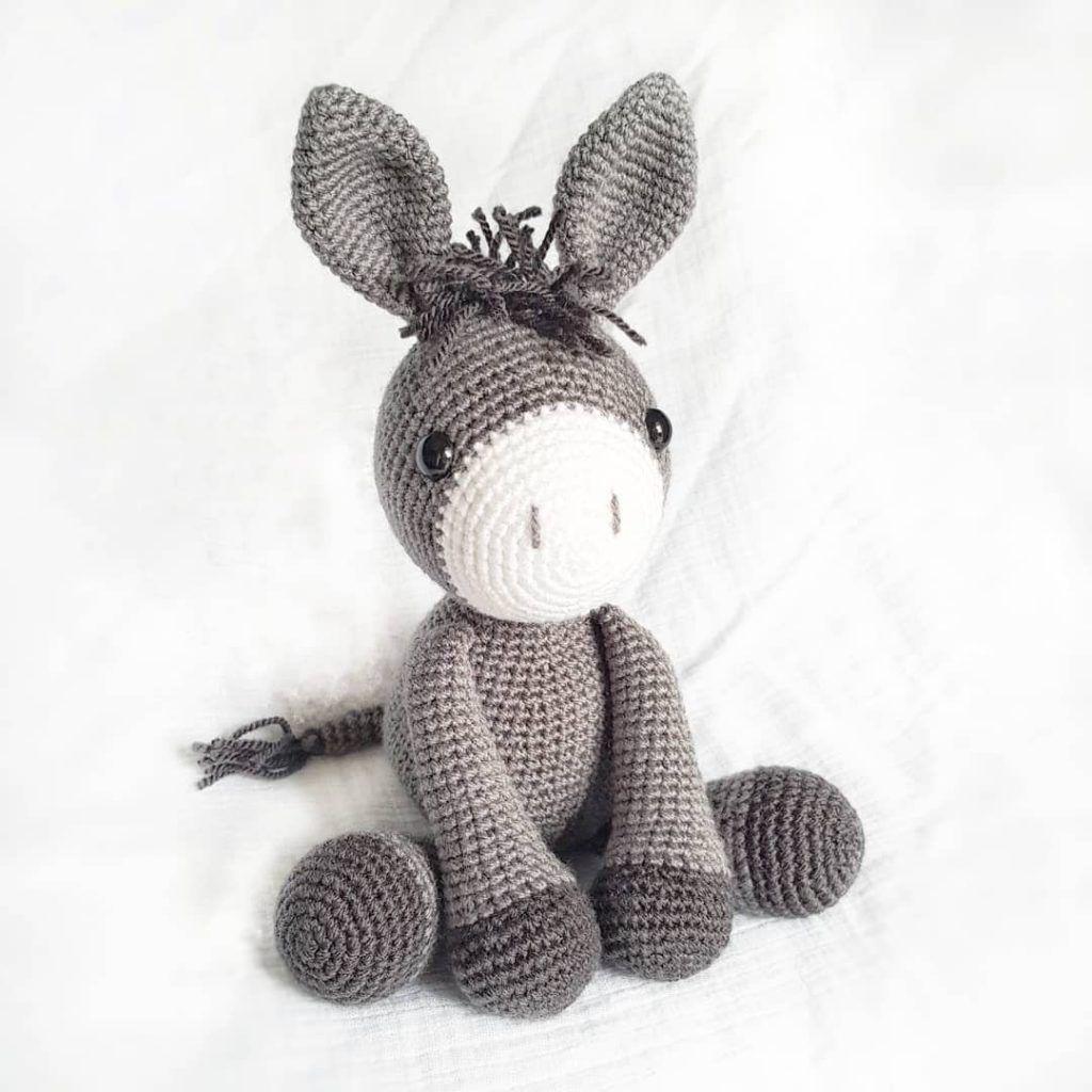 10 FREE Amigurumi Crochet Patterns - The Lavender Chair | 1024x1024