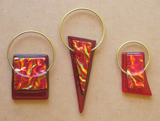 fused glass jewellery by Wendy Tanner, via Flickr. Liking the use of silver and dichroic glass.